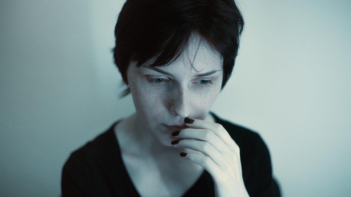 frau-traurig-depressiv-belastung
