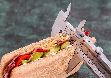 gewichtsreduktion-schieblehre-toast