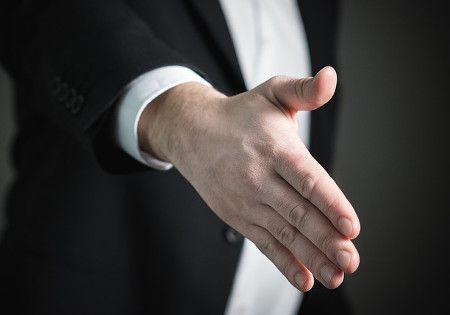hand reichen begruessung