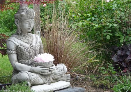 helga proszamer statue