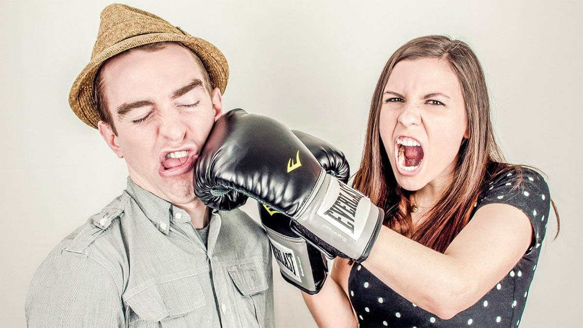 mann-frau-boxhandschuhe