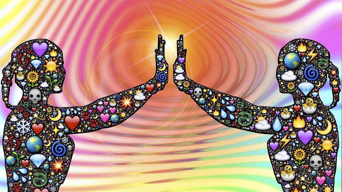 menschliche-silhuetten-energie-aura