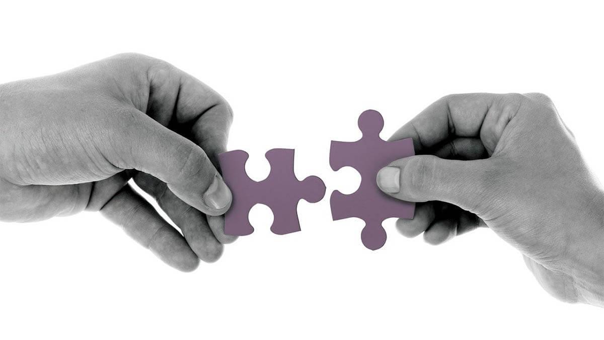puzzleteile-zusammenstecken