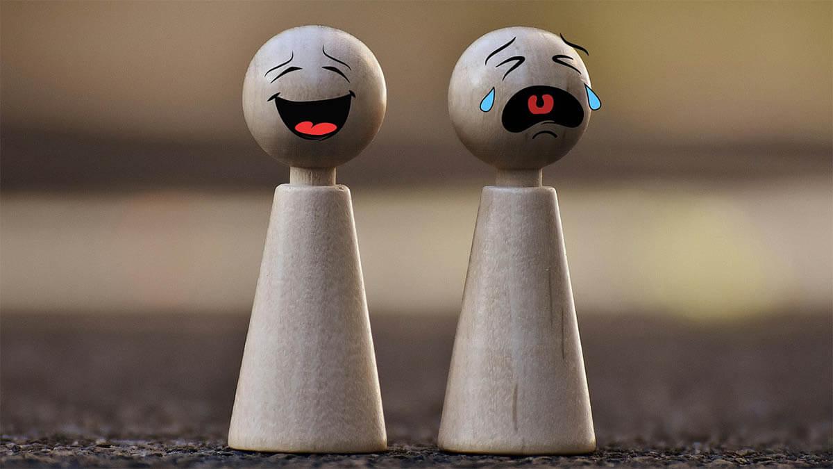 spielfiguren-lachen-weinen