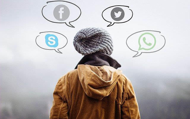 sprechblasen faceboo whatsapp klein