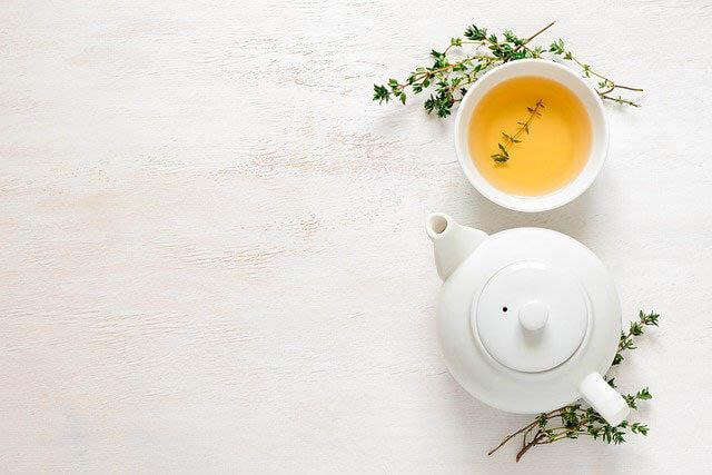 teekanne teetasse tisch klein