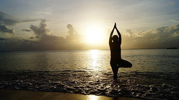 yoga am strand klein
