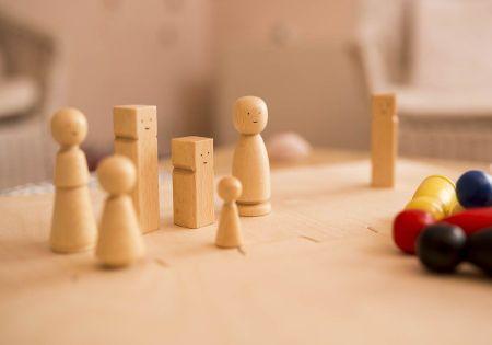 familie-spielfiguren