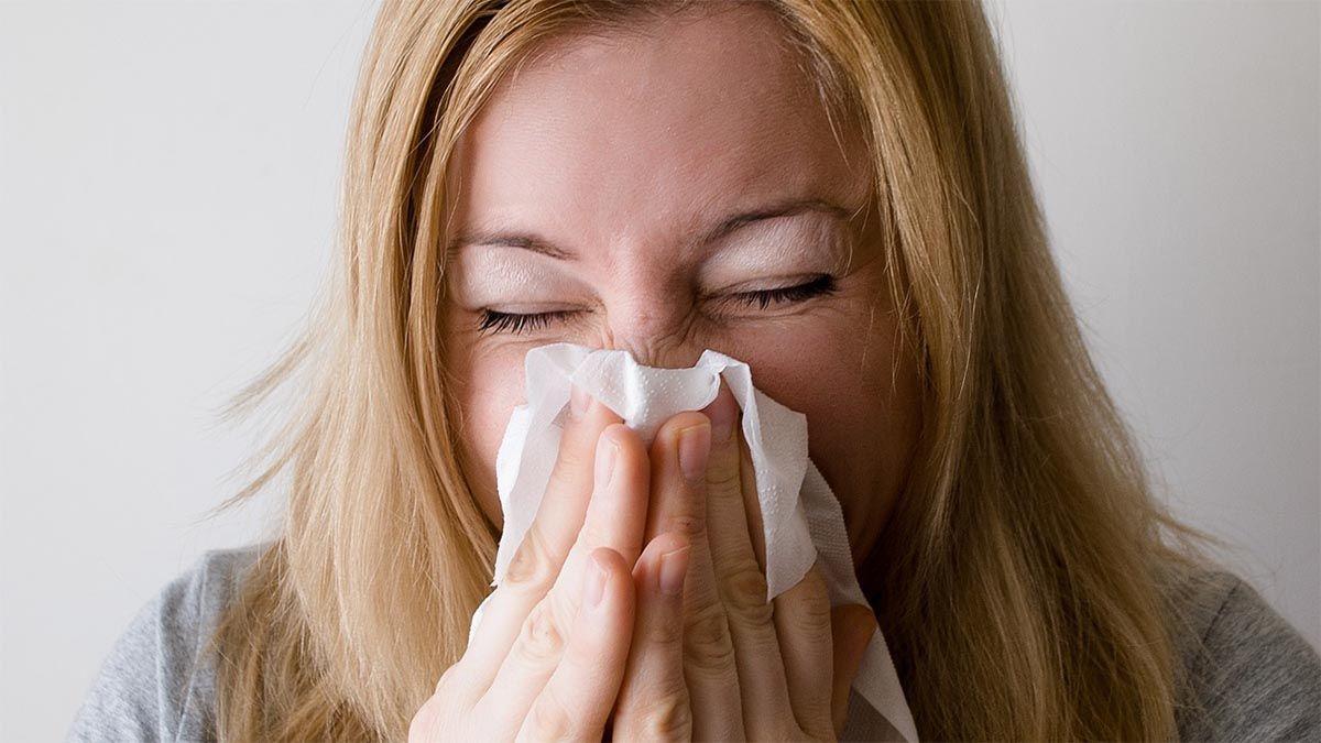 frau-allergie-schnupfen