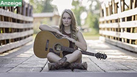 frau-mit-gitarre