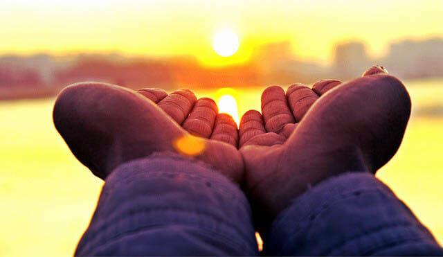 hand sonnenstrahlen klein
