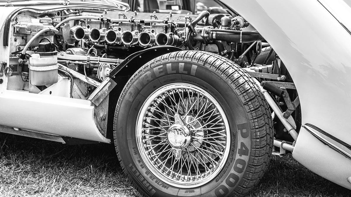 jaguar offene motorhaube