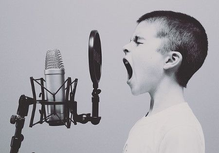 kind-microfon