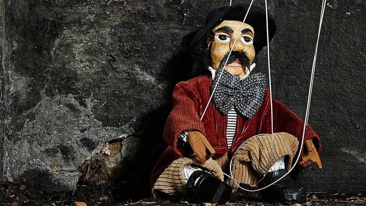 marionette-mann-mit-hut