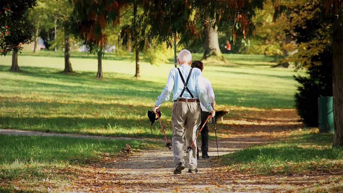 senioren-nordic-walking