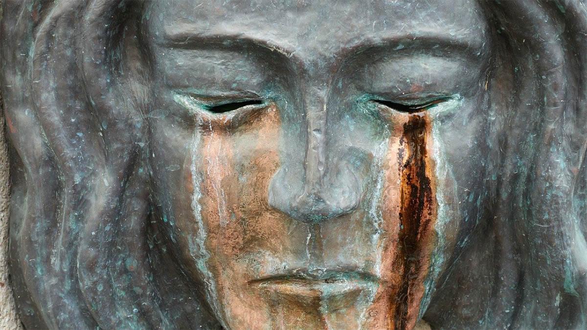 skulptur-traenen-aus-den-augen