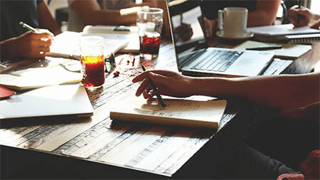 startup-firma-schreibtisch