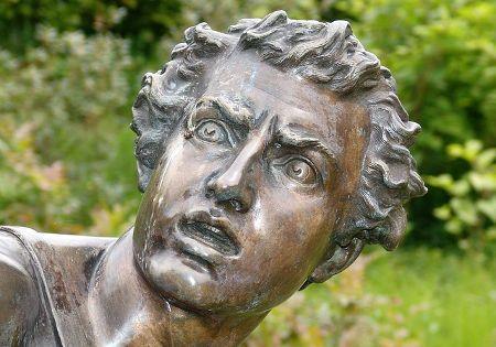 statue gesicht angst