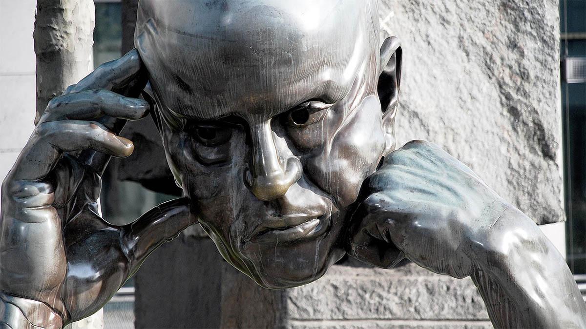 statue-gruebeln-denken
