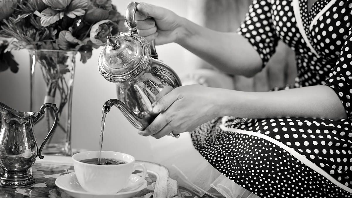 teeritual-black-white