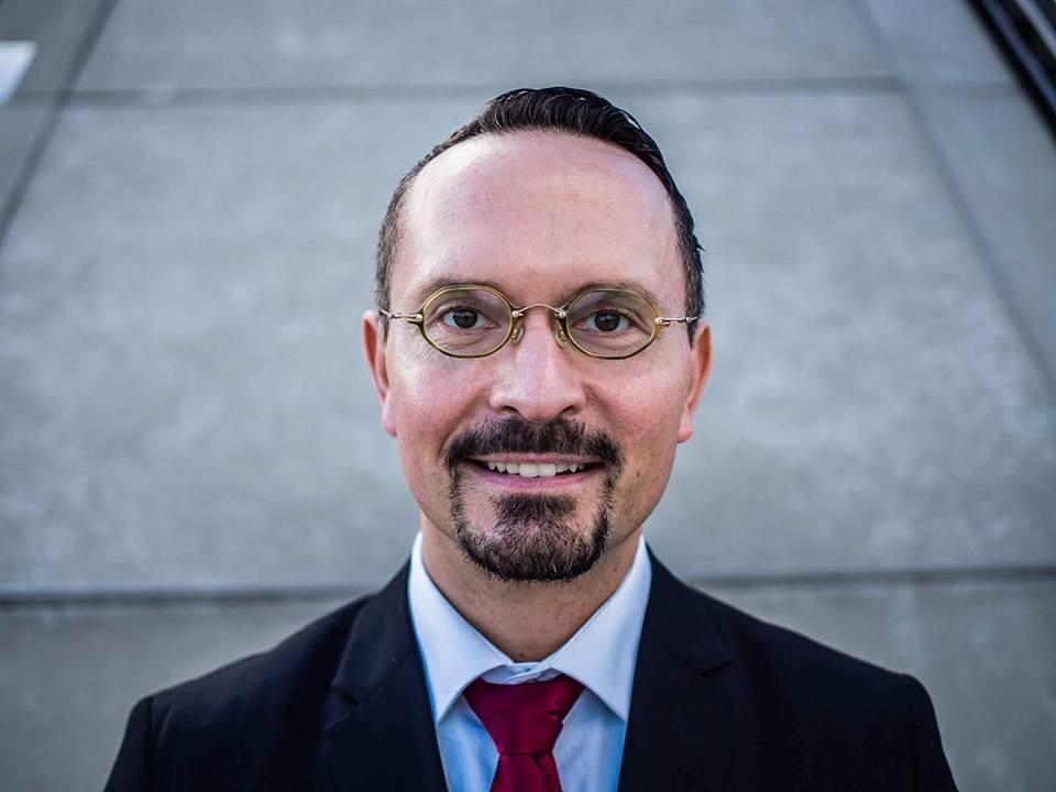 Kanzlei für Zahn- und Medizinrecht • Volker Loeschner