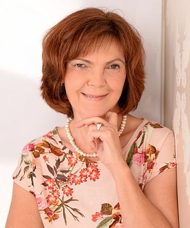 Dr. rer. pol. Claudia Röll-Bolz - Heilpraktikerin, Spezialistin für Frauenheilkunde